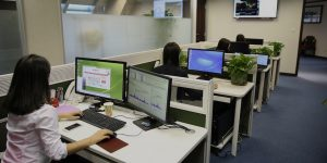 What is Hot Desking? Why is it Beneficial To Use At This Time of the COVID-19 Pandemic?
